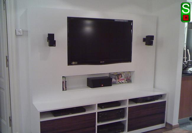 Mueble para TV realizado en MDF, color Blanco, laqueado poliuretanico